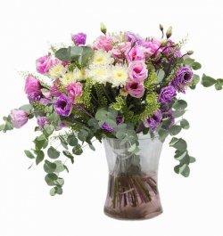 זר פרחים ליזיאנטוס עם נגיעת חרציות