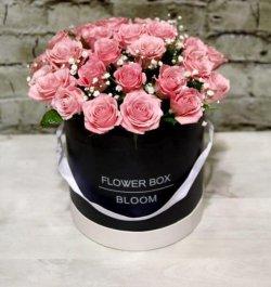 קופסת ורדים ורודים