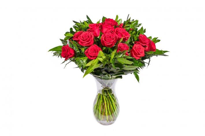 זר פרחים אדומים